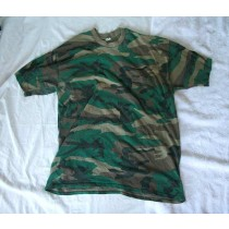XL Camo shirt, old and polyester is balling