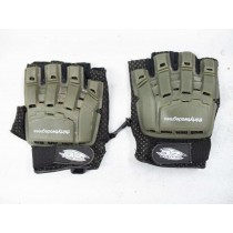 32 degree cheapo gloves, size large