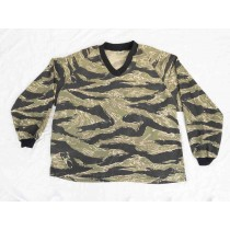 Good shape Tiger Stripe Products Pullover, size medium
